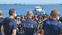 sbarchi-polizia-550